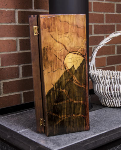 Mountain_Scene_Wine_box